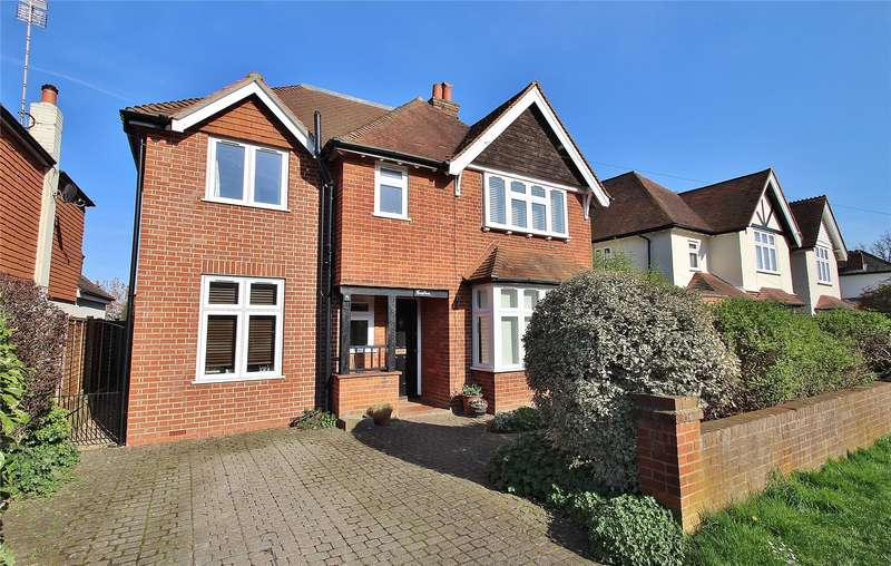 4 Bedrooms Detached House for sale in Ormonde Road, Horsell, Surrey, GU21