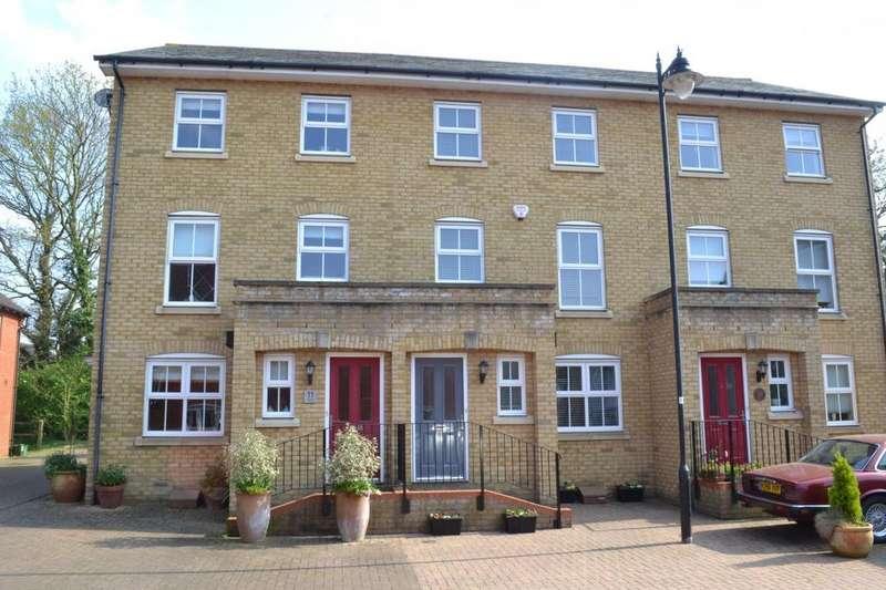 4 Bedrooms Town House for sale in Norton Place, Ramsden Heath, Billericay, Essex, CM11