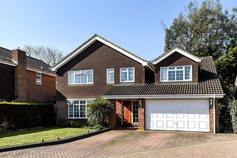 5 Bedrooms Detached House for sale in The Croft, Flitwick, MK45