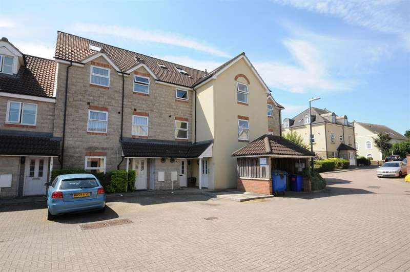 2 Bedrooms Flat for sale in St. Marys Close, Bristol, BS30 8BB