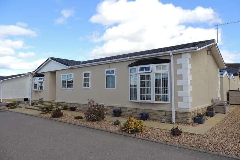 2 Bedrooms Detached Bungalow for sale in Ashgrove Park, Elgin, IV30
