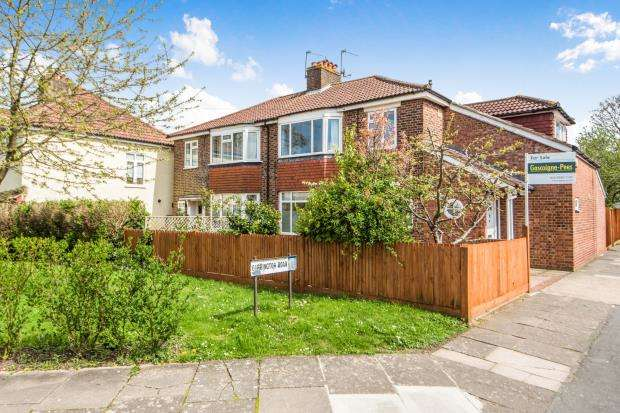 3 Bedrooms Semi Detached House for sale in Richmond, Surrey, .