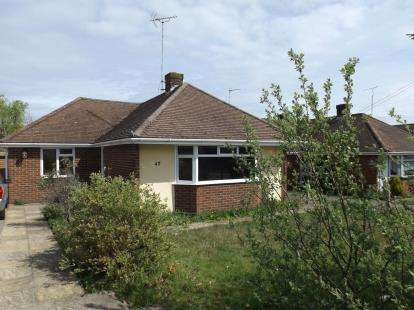 3 Bedrooms Bungalow for sale in Hythe, Southampton, Hampshire