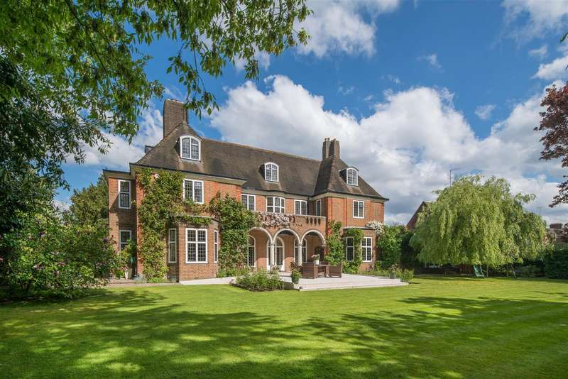 7 Bedrooms House for sale in Constable Close, Hampstead Garden Suburb, NW11