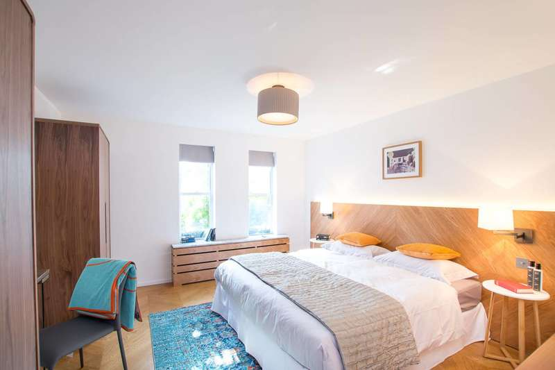 2 Bedrooms Flat for sale in Rochester Row, Pimlico, SW1P