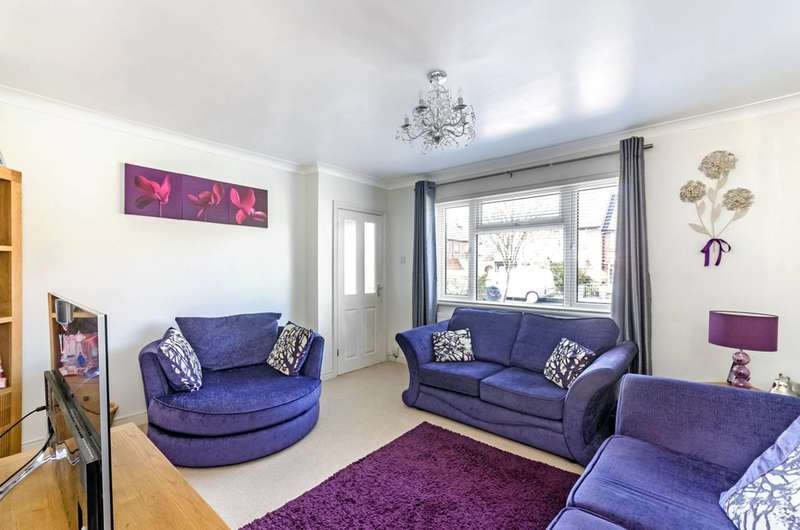3 Bedrooms Terraced House for sale in Marlborough Road, Sutton Common, SM1