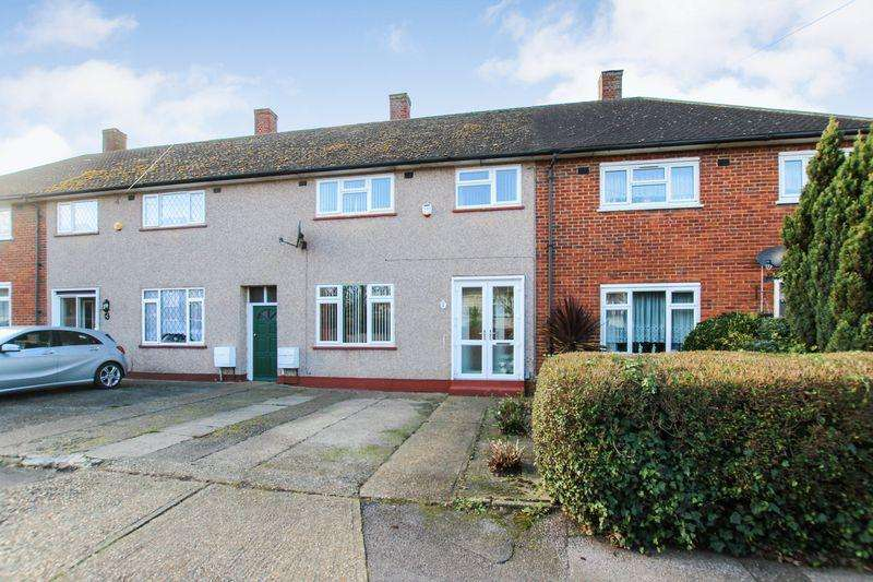 3 Bedrooms Terraced House for sale in Teviot Avenue, Aveley