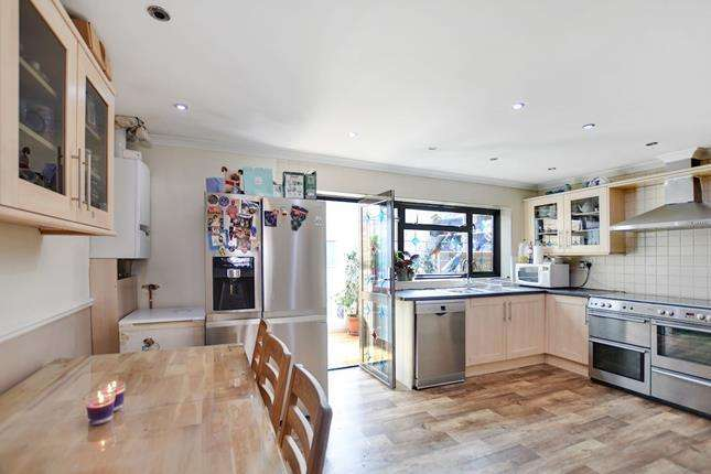 5 Bedrooms Terraced House for sale in Elmstead Road, Ilford, IG3 8AX