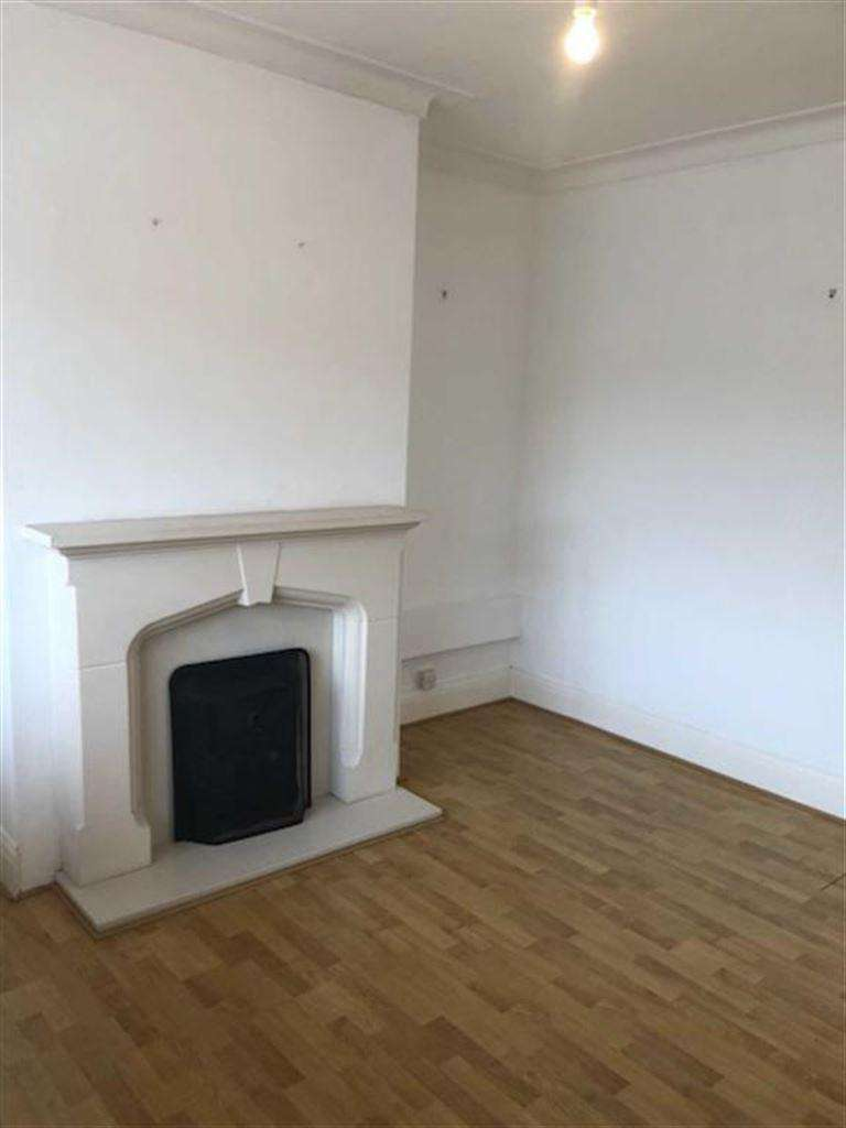 3 Bedrooms Terraced House for sale in Newlands, Leeds, West Yorkshire