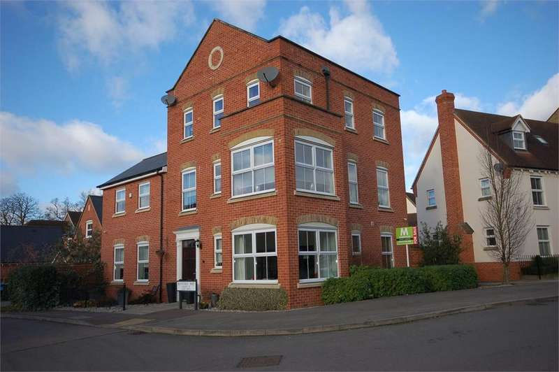 5 Bedrooms Detached House for sale in Bayford Way Forest Hall Stansted