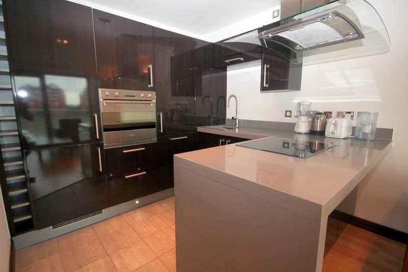 2 Bedrooms Flat for sale in Bridges Court , London SW11