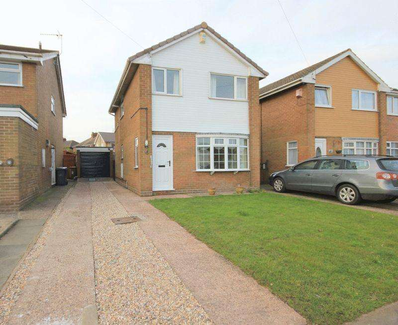 3 Bedrooms Detached House for sale in Tilling Drive, Stone