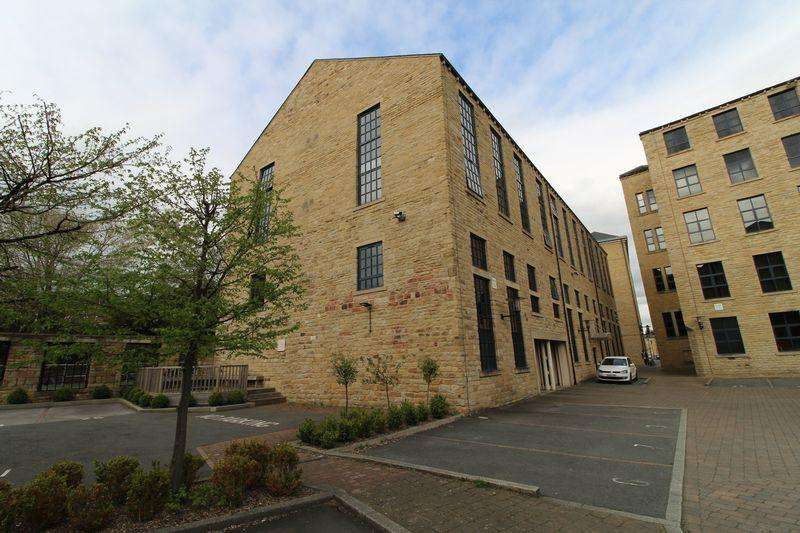 2 Bedrooms Apartment Flat for sale in 1535 The Melting Point, Firth Street, HD1
