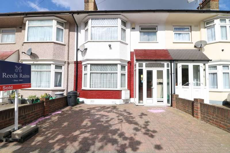 3 Bedrooms Terraced House for sale in Yoxley Drive, Ilford, IG2