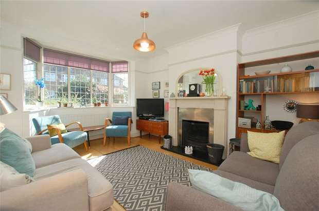 4 Bedrooms Semi Detached House for sale in Chatham Avenue, BROMLEY, Kent