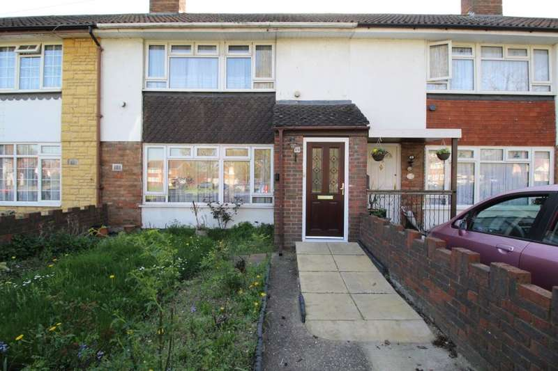 3 Bedrooms Property for sale in Diamedes Avenue, Stanwell, Staines-Upon-Thames, TW19