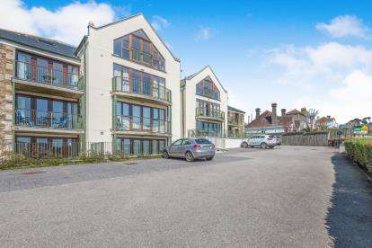 2 Bedrooms Flat for sale in Castle Drive, Penzance, Cornwall