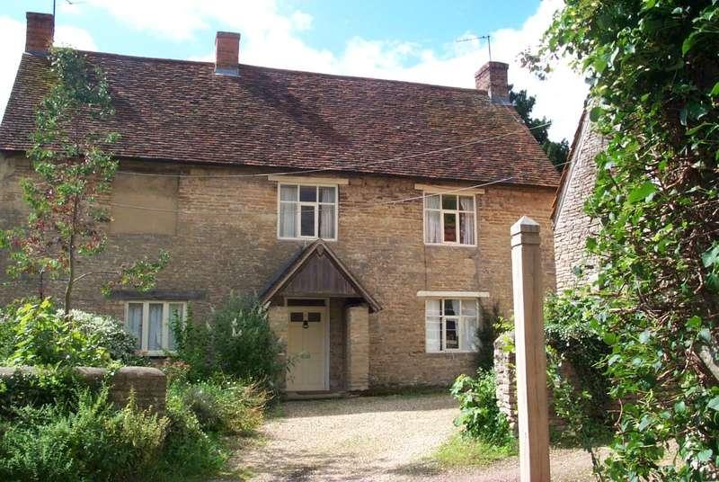 5 Bedrooms Detached House for rent in YARDLEY HASTINGS NN7 1EN