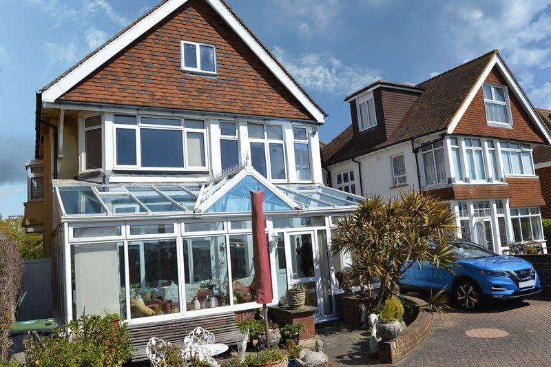 4 Bedrooms Semi Detached House for sale in WEST PARADE SEAFRONT