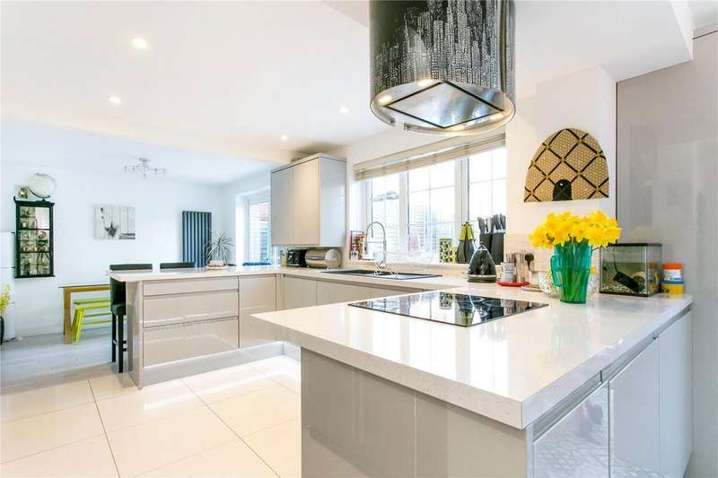 4 Bedrooms Detached House for sale in Wakelins End, Cookham, Maidenhead, Berkshire, SL6