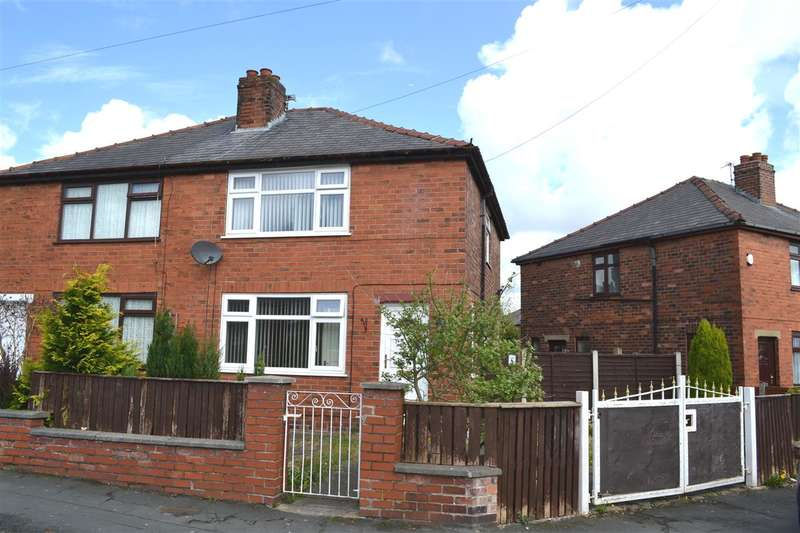 3 Bedrooms Semi Detached House for sale in Edna Road, Leigh