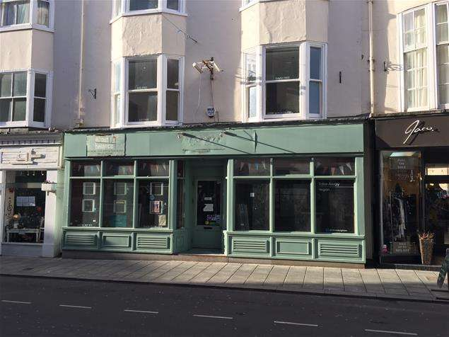 Property for rent in 14 East Street, Brighton