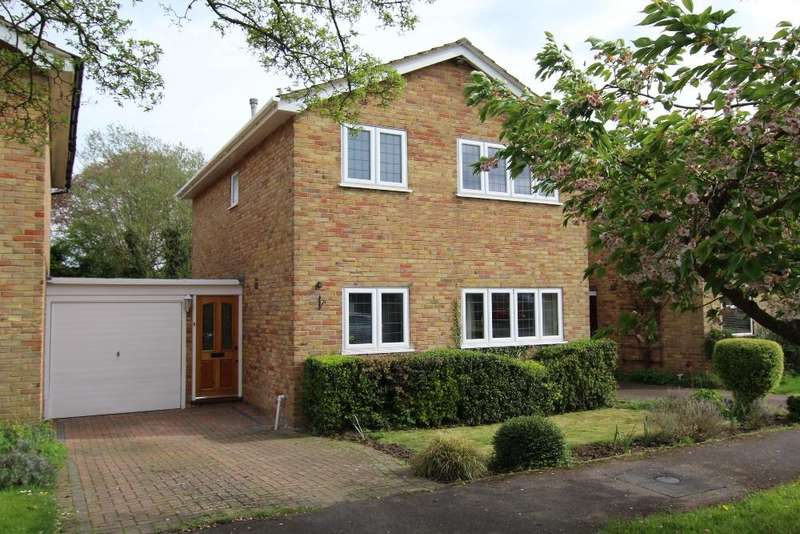 3 Bedrooms Detached House for sale in Croft Close, Wokingham, Berkshire, RG41 4AN