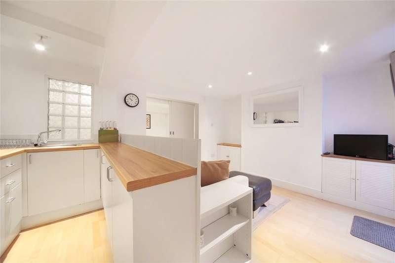 Flat for sale in Battersea Rise, Battersea, London, SW11