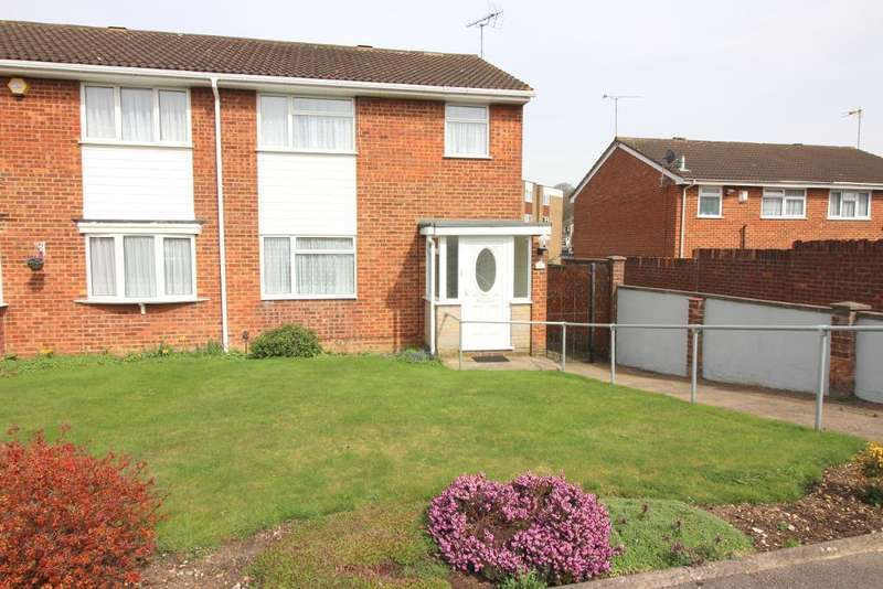 3 Bedrooms Semi Detached House for sale in Chalfont Way, Luton, Bedfordshire, LU2 9RQ