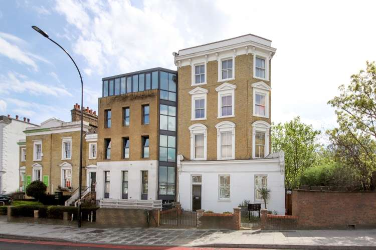 1 Bedroom Flat for sale in New Cross Road New Cross SE14