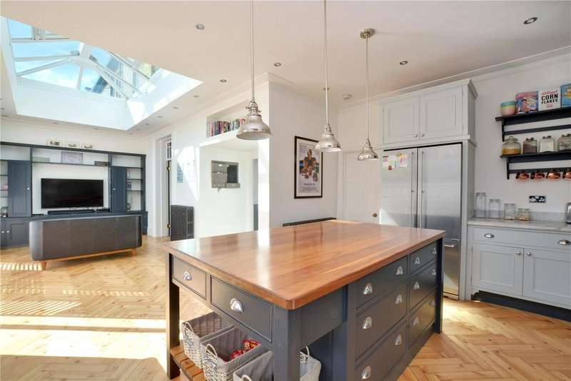 6 Bedrooms House for sale in Glenhouse Road, London, SE9