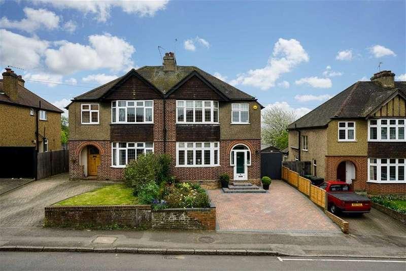 3 Bedrooms Semi Detached House for sale in Piggottshill Lane, Harpenden, Hertfordshire