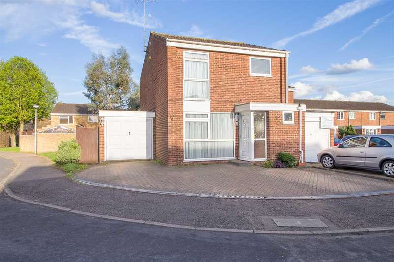 3 Bedrooms End Of Terrace House for rent in Silverfield, Broxbourne
