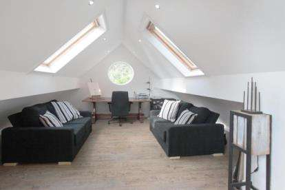 5 Bedrooms Detached House for sale in Macclesfield Road, Prestbury, Macclesfield, Cheshire