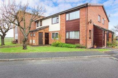2 Bedrooms Flat for sale in Cottam Close, Lytham St. Annes, Lancashire, FY8
