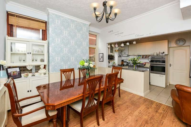 3 Bedrooms Semi Detached House for sale in Waterloo Road, Preston, Lancashire, PR2