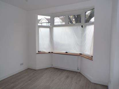 3 Bedrooms Terraced House for sale in Winchester Road, London
