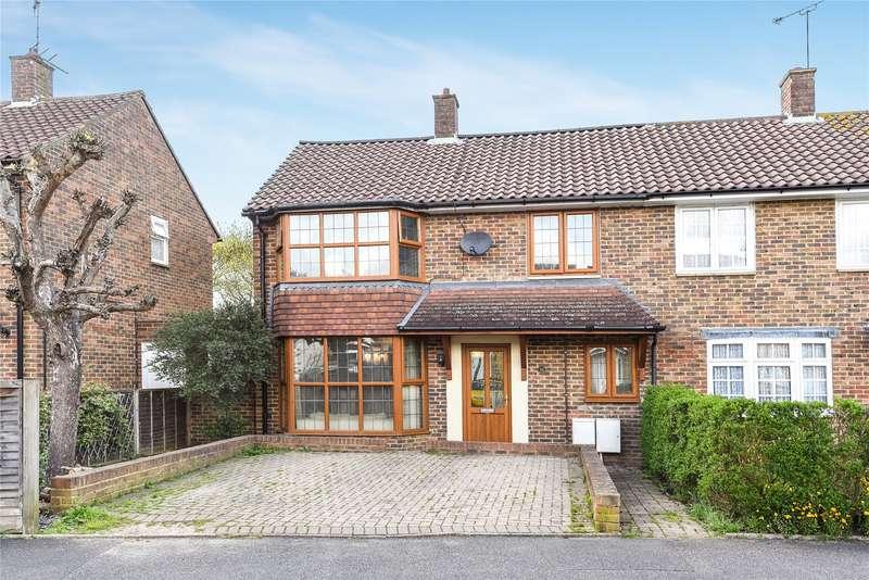 3 Bedrooms Semi Detached House for sale in Trumbull Road, Bracknell, Berkshire, RG42
