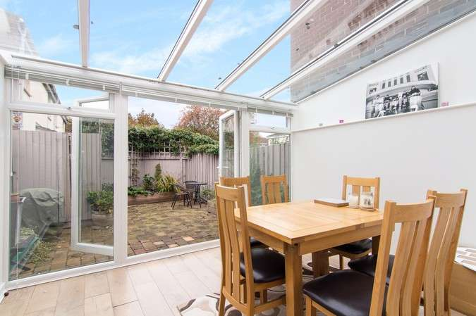 3 Bedrooms Terraced House for sale in Staveley Gardens, Chiswick