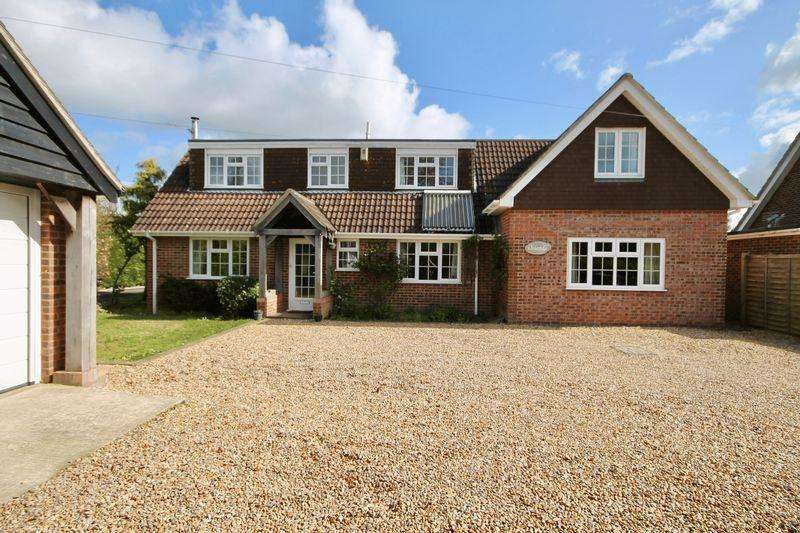 4 Bedrooms Detached House for sale in Cemetery Lane, Woodmancote