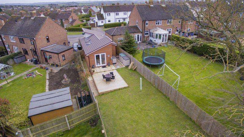 2 Bedrooms Detached Bungalow for sale in Wingfield Avenue, Maulden