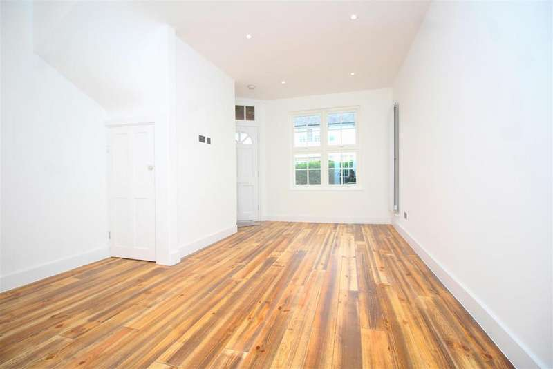 2 Bedrooms Terraced House for sale in Chesthunte Road, Tottenham
