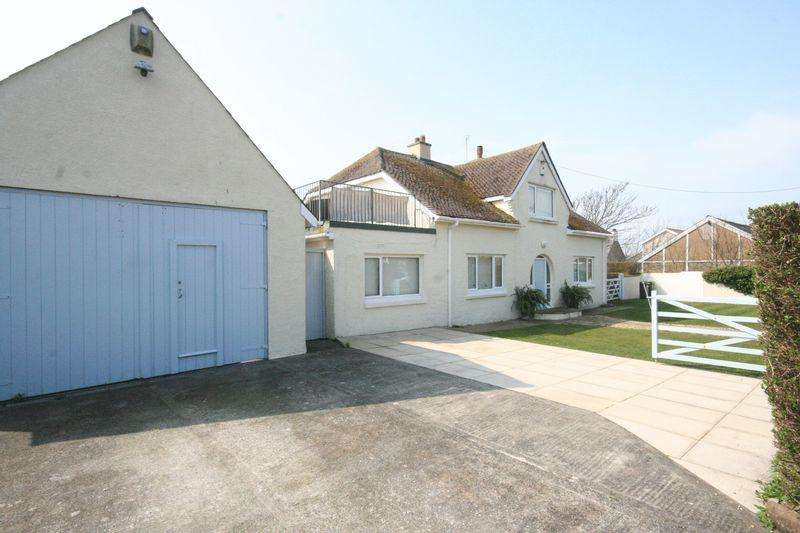 3 Bedrooms Detached House for sale in Rhosneigr, Anglesey