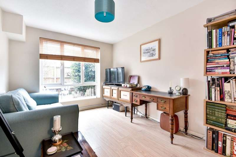 1 Bedroom Flat for sale in Paxton Court, Adamsrill Road, Sydenham, SE26