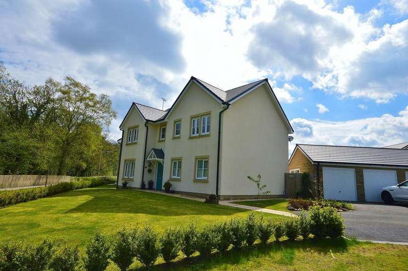 5 Bedrooms Detached House for sale in Calico Drive, Strines
