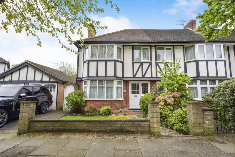 3 Bedrooms House for sale in Tudor Gardens, Acton