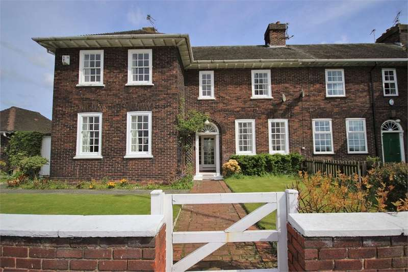 5 Bedrooms Semi Detached House for sale in Liverpool Road, Widnes, Cheshire
