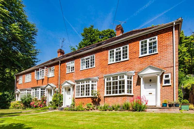 4 Bedrooms Terraced House for sale in 3 Hillside, Whitchurch -on- Thames, RG8