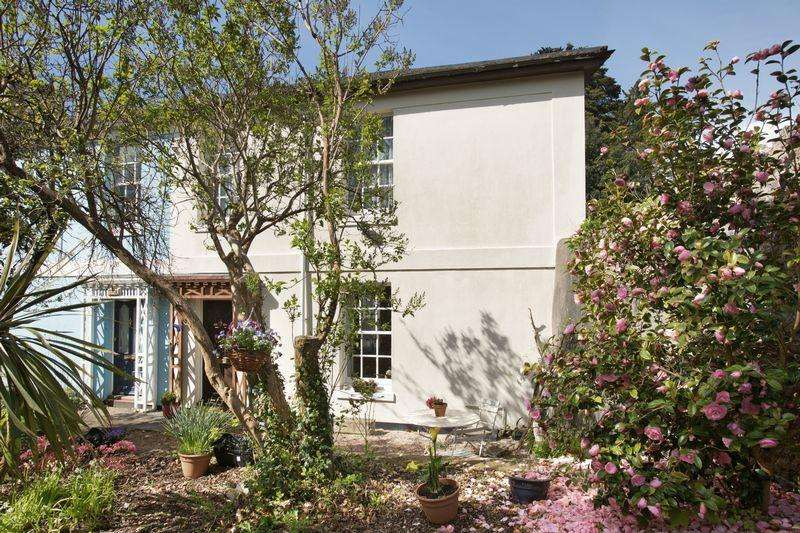 2 Bedrooms Semi Detached House for sale in Cedars Road, Torquay