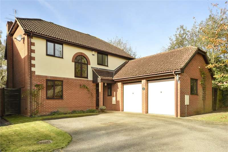 4 Bedrooms Detached House for sale in Hunters Way, Spencers Wood, Reading, Berkshire, RG7